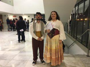 ayudantes de Regiduría y figurantes en la ópera
